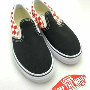 Vans Classic Slip On Black Shoe Red and White Checkerboard, Kids Size 2.5 NEW!!