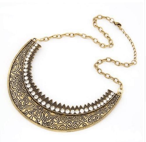 Palace carved short necklace