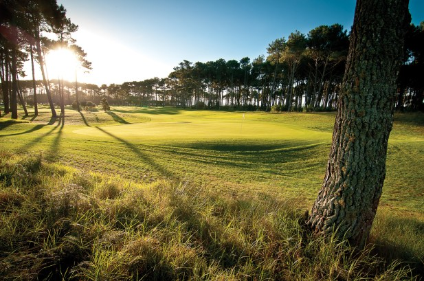 Dunes-Golf-Course-16th-green--20150503