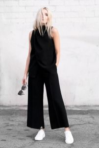 Minimalistische jumpsuits outfits