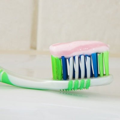10 best herbal toothpaste for sensitive teeth