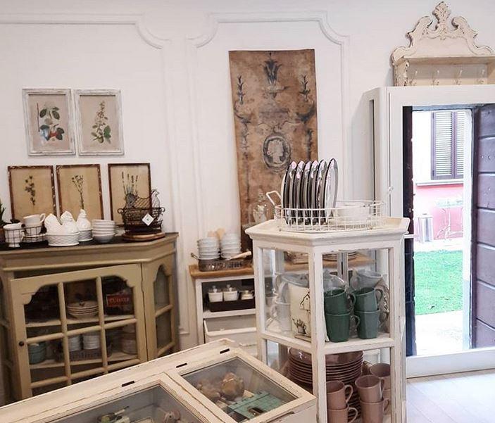 Download immediato per la magia del bianco. Trovailtempo Atelier Dei Sogni Lo Stile Francese E Di Casa A Milano Shopping Milano Roma