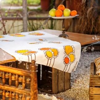 Tovaglietta Pascucci per due con girasoli e api di Gianfranco Zavalloni + 2 tovaglioli