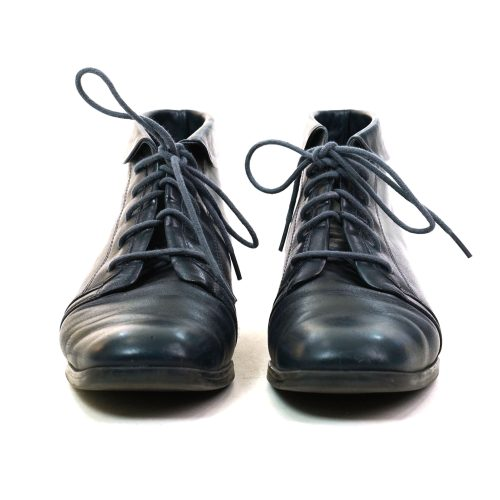 90s Lace Up Ankle Boots in Navy Blue Leather Size 7