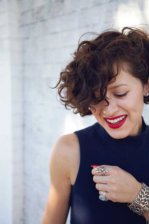 Short Hairstyles For Curly Hair 2018 187383 Short Curly Haircuts