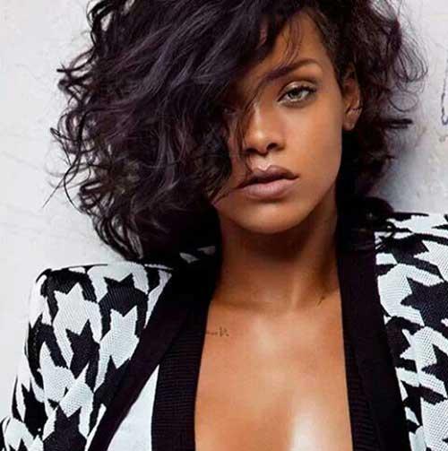 Rihannas Pretty Lovely Short Curly Hair Pics Crazyforus