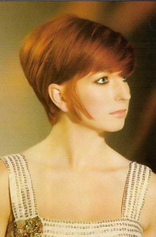 10 Beautiful Short Wedge Haircuts