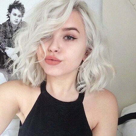 Short White Blonde Hair for a Fresh Look