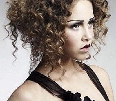 Best Haircuts for Curly Hair - best haircuts for curly hair for women 9