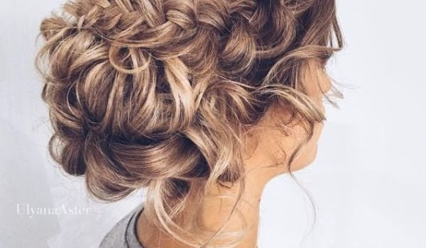 Getting Some Fancy Curly Hair Updos