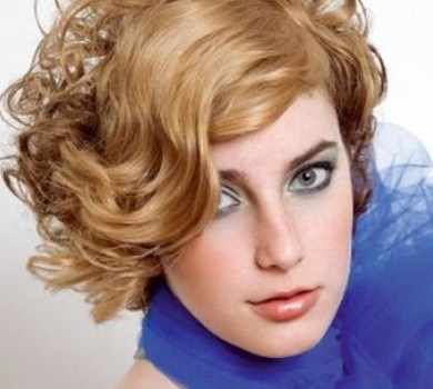 +20 Best Short Hairstyle For Wavy Hair - short hairstyle for wavy hair 14