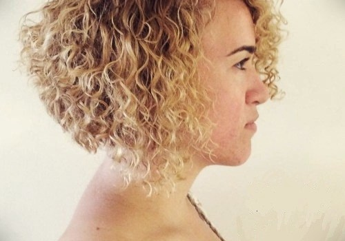 35+ Best Hairdos for Curly Hair - hairdos for curly hair 24