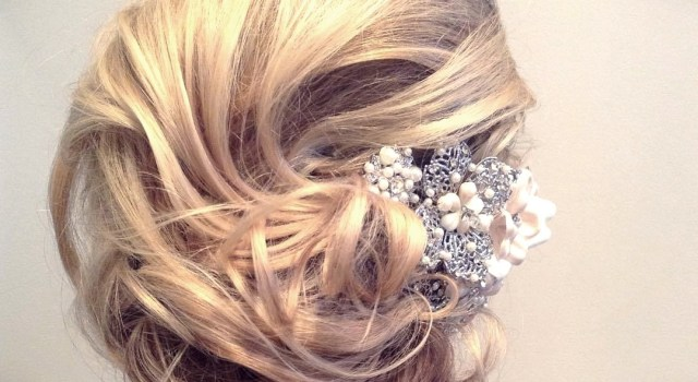 Short Curly Hairstyles for a Wedding - short curly hairstyles wedding 17