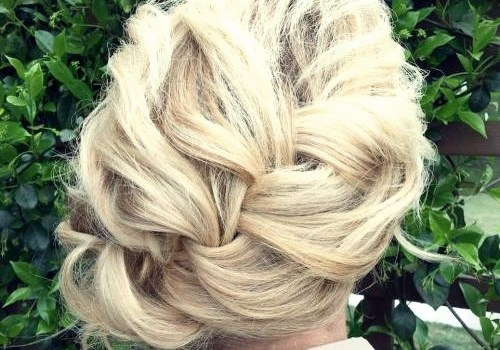 Short Curly Hairstyles for a Wedding - short curly hairstyles wedding 18