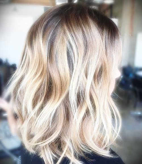Short hairstyles for thick wavy hair