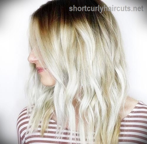short-hairstyles-for-thick-wavy-hair16