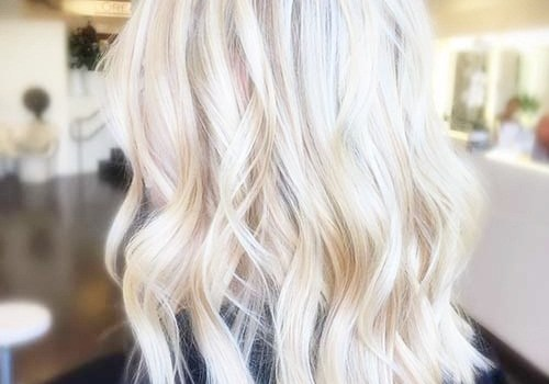 +25 Best Short Hairstyles for Thick Wavy Hair - short hairstyles for thick wavy hair19