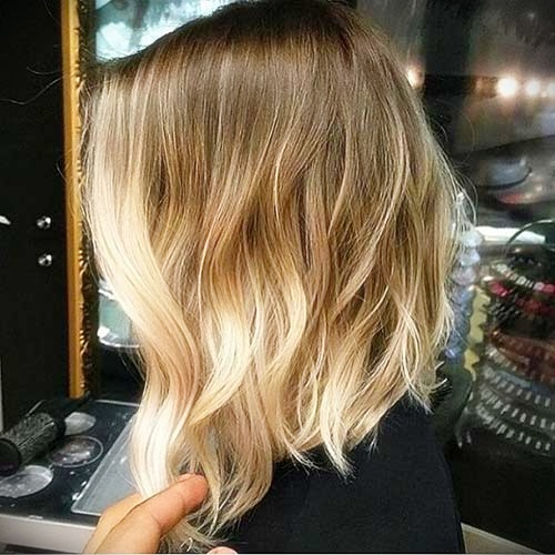 short-hairstyles-for-thick-wavy-hair3