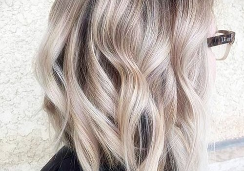 +25 Best Short Hairstyles for Thick Wavy Hair - short hairstyles for thick wavy hair4