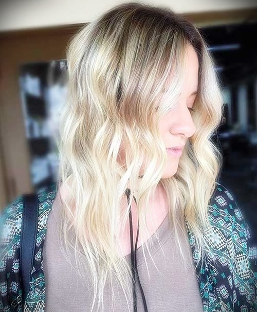 short-hairstyles-for-thick-wavy-hair5