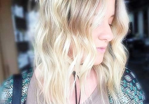 +25 Best Short Hairstyles for Thick Wavy Hair - short hairstyles for thick wavy hair5