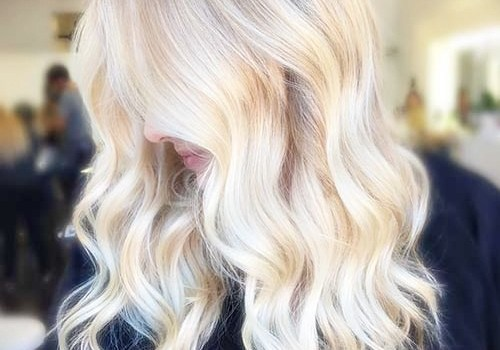 +25 Best Short Hairstyles for Thick Wavy Hair - short hairstyles for thick wavy hair9