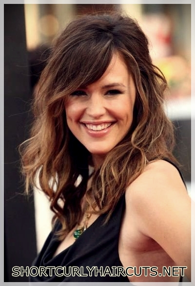 best-hairstyle-with-curls-26