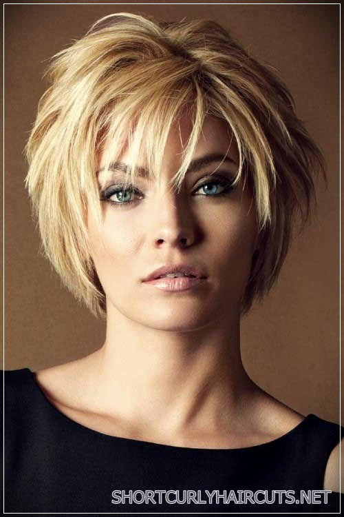 Fashionable Designs Hairstyles for Women over 40