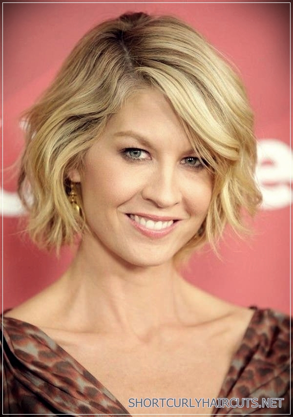 Simple Sophistication Hairstyles for Women over 40