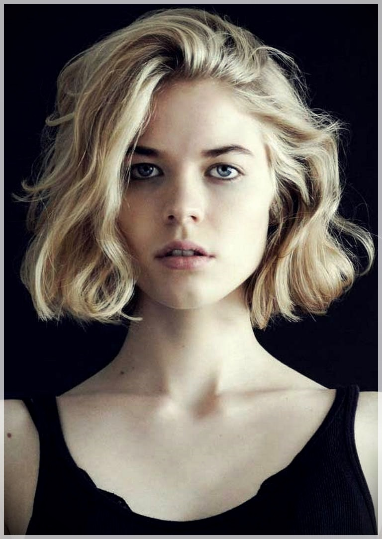 There are some wonderful short wavy haircuts for ladies to give a try this season - short curly haircuts 2018 8
