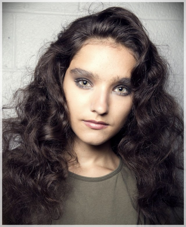 Curly Hair 2019: long and short cuts, the best hairstyles - curly hair 2019 10