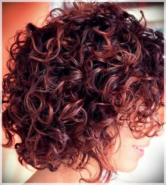 Curly Hair 2019: long and short cuts, the best hairstyles - curly hair 2019 6