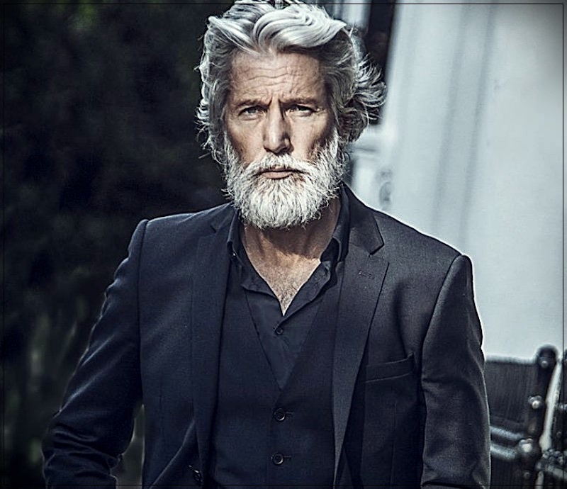 Gray hair man: trends, colors and shades of 2019 - Aiden Brady
