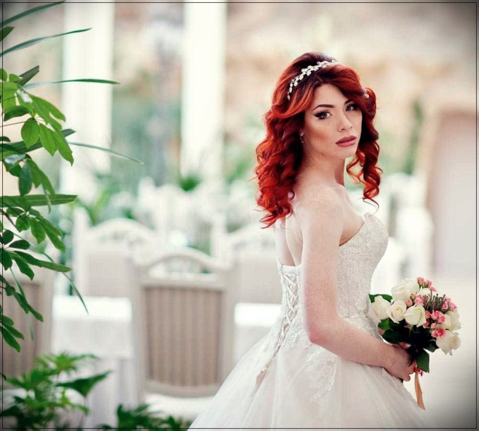 bridal hairdo with red hair: beautiful ideas