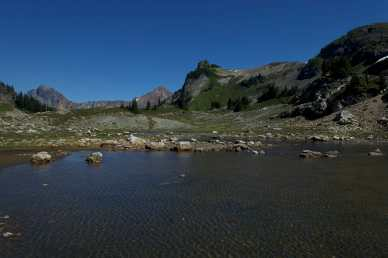 Tarn below Yellow Aster Butte