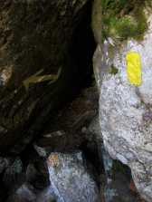 Trail blazes, the Subway, King Ravine, White Mountain National Forest