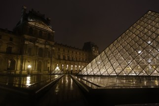 Musée du Louvre and Pyramide du Louvre at night