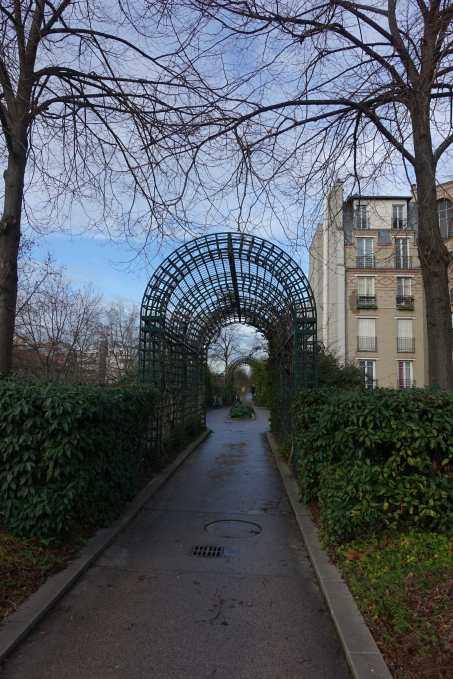 path on the Promenade Plantée