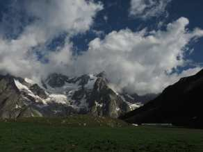 Mountains and field above Bonatti