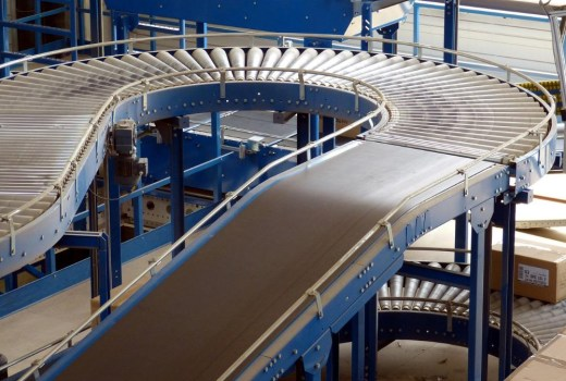 Conveyor-Belt-on-Track