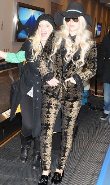 ke$ha in tokyo-fashion mishap-showbizbites