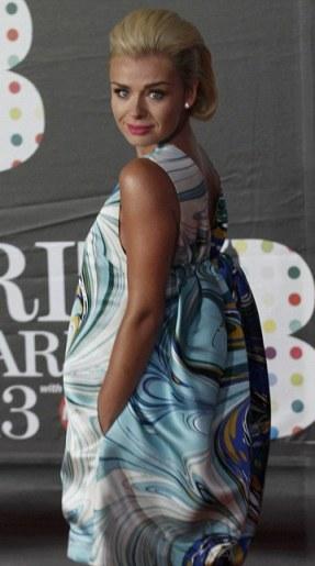 katherine jenkins at brit awards-showbizbites-01