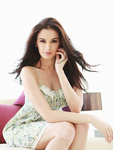 Evelyn Sharma-Showbzi Bites-02