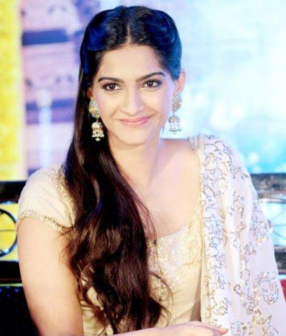 Sonam-Kapoor-Raanjhanaa-showbzibites