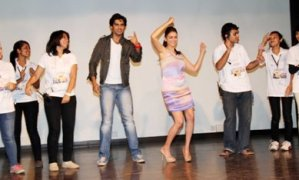 Aditi Rao Hydari and Shiv Pandit Celebrate and Dance at Mithibai College