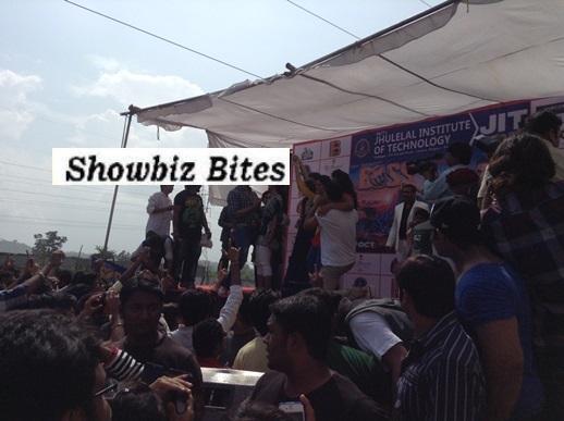 Akshay Kumar in Nagpur at a college festival-showbizbites