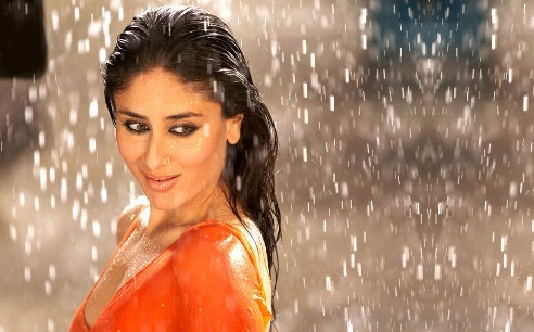 kareena-kapoor-wet-showbizbites