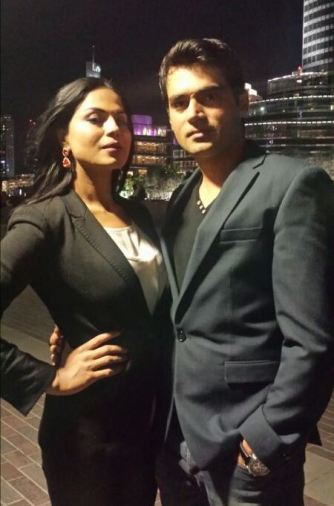 veena with asad-showbizbites01