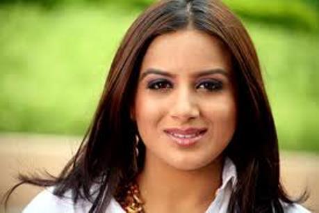 Pooja Gandhi-showbizbites
