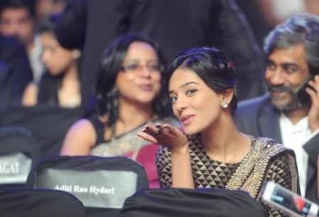 amrita rao at 59th filmfare awards-showbizbites
